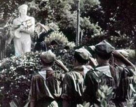 Артек. Памятник Неизвестному Матросу