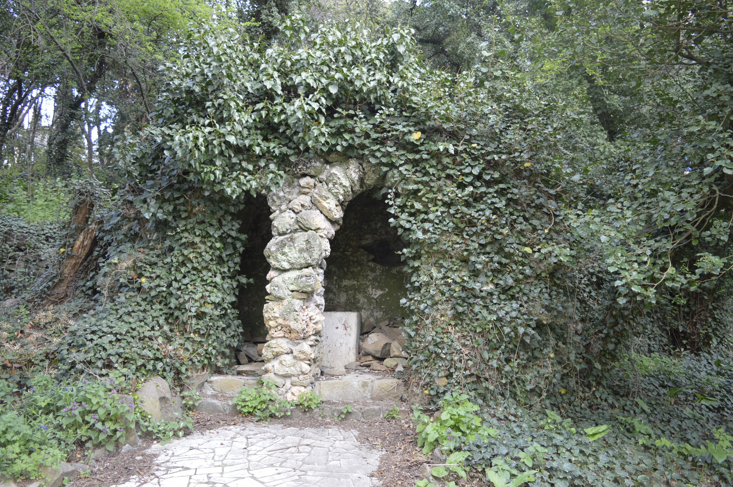 Грот в Артеке