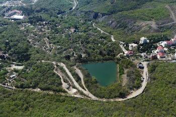 Озеро Осман, вид с Аю-Дага