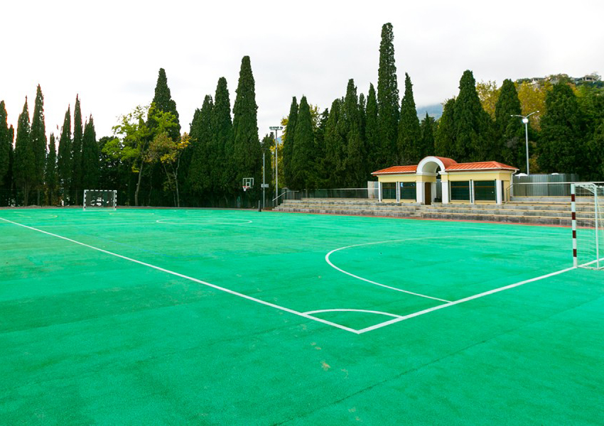 Артек, Стадион Кипарисного