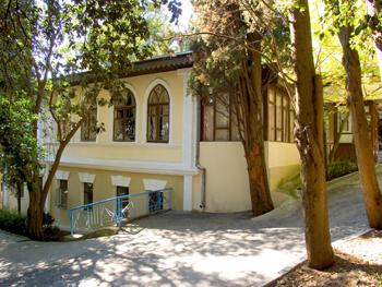 Артек, Кипарисный, Дача 1