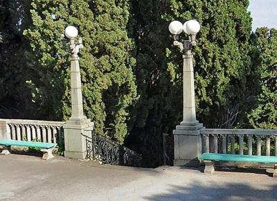Венецианская лестница у артековского Дворца