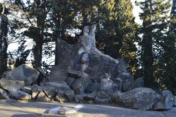 Памятник Неизвестному матросу в Артеке