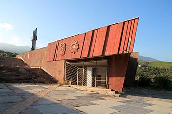 Артековский памятник Ленину