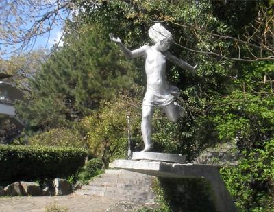 Артек, Скульптура Полевая