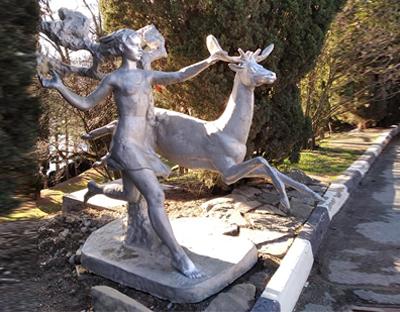 Артек, Скульптра Девочки с оленем